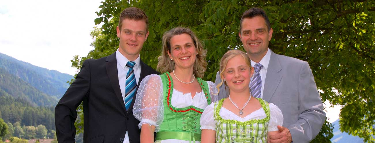 The Königsrainer family with father, mother and two children