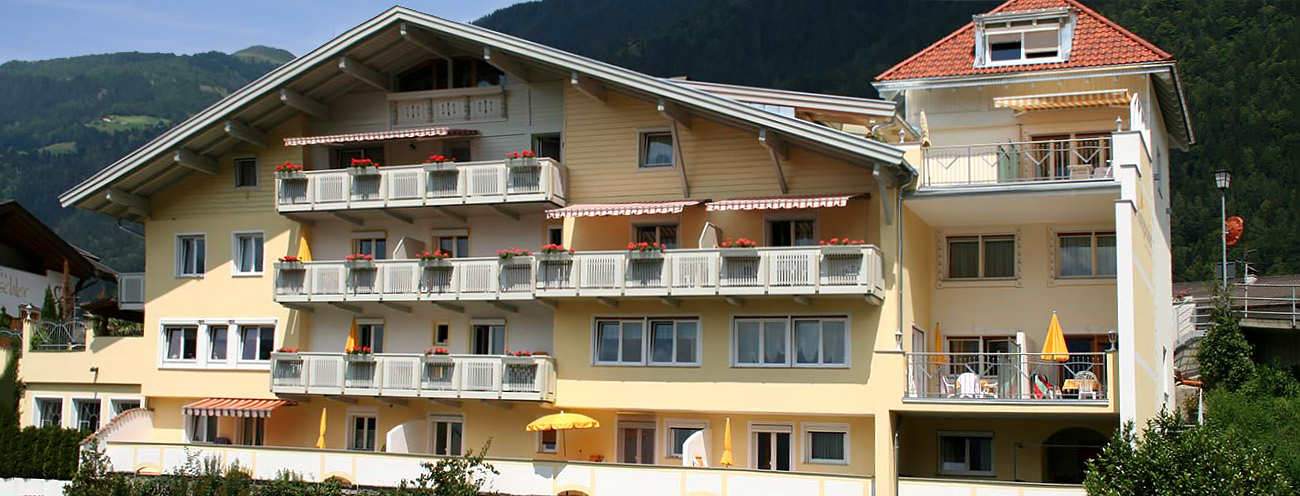 Exterior view from the main house of the Königsrainer in St. Leonhard im Passeier Valley