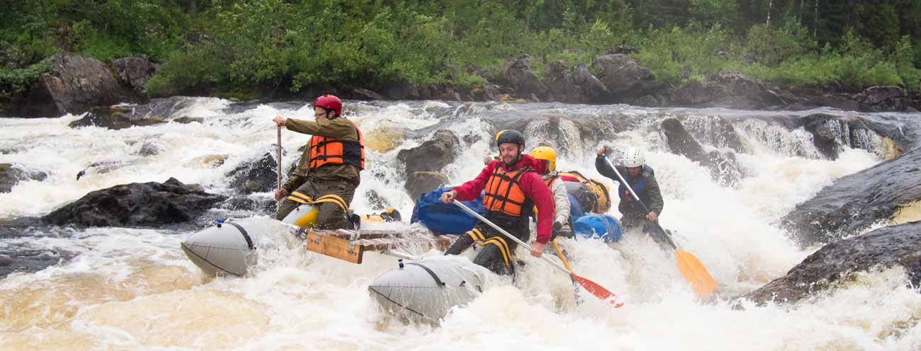 Rafting departure in Passeiertal with thunderous brown water